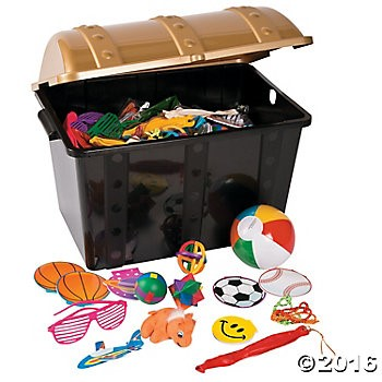 Plastic Treasure Chest with Toys - 500 Pcs