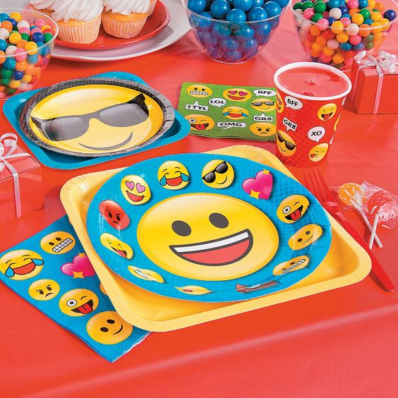 Emoji Fun Party Pack For 16